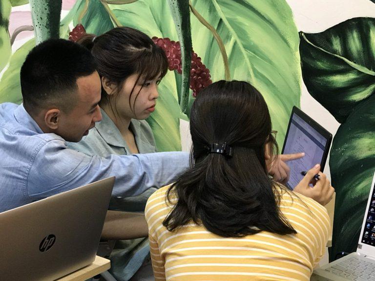 Lớp học xuất nhập khâu thực tế tại trung tâm VinaTrain- Chi nhánh Hà Nội