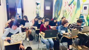 Hình ảnh một buổi thực hành tính lương tại trung tâm VinaTrain