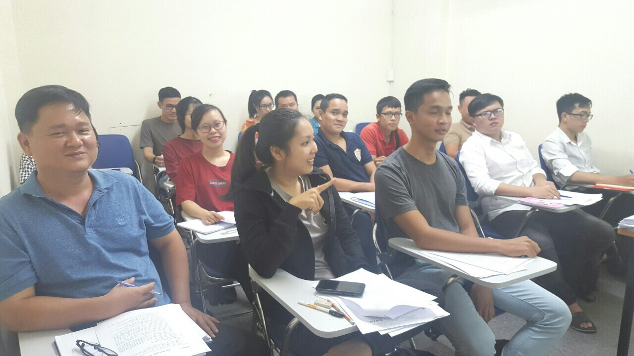 Lớp học C&B tại trung tâm VinaTrain