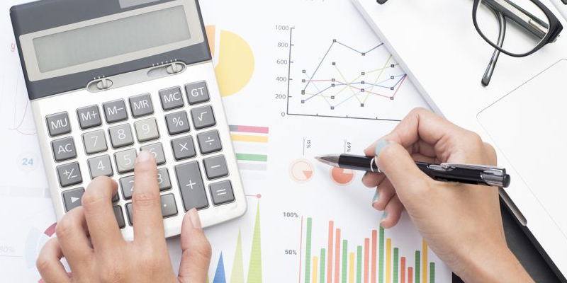 Học kế toán hay hành chính nhân sự, rất nhiều người phân vân chưa chọn được nghề