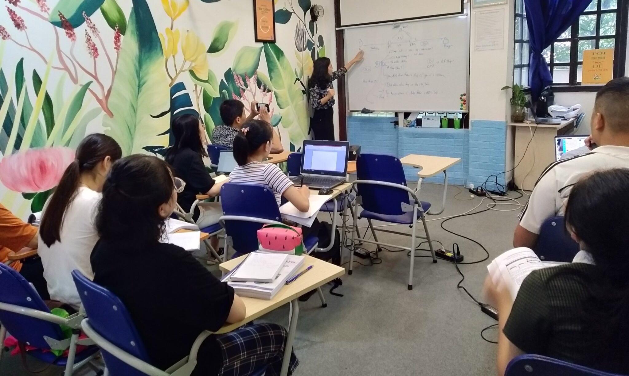 Lớp đào tạo hành chính văn phòng mà mình học tại đây cũng không đông quá (ảnh tác giả cung cấp)