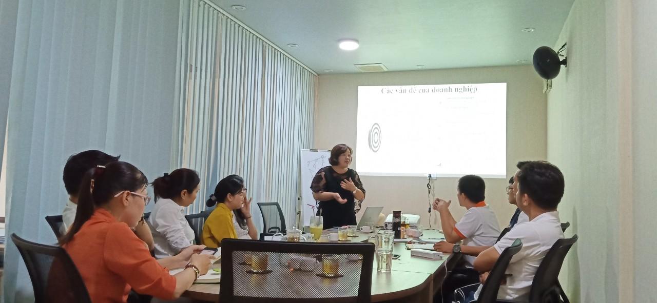 Khóa đào tạo C&B tại Springo do Mrs Xuân hướng dẫn